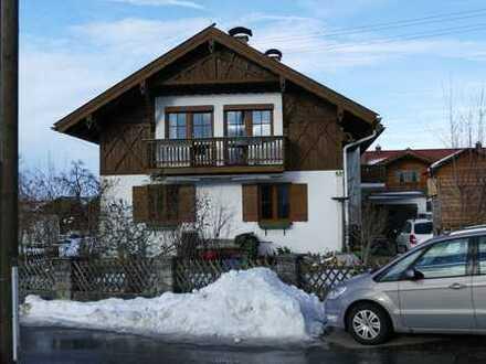 Vollständig renovierte 5-Zimmer-Maisonette-Wohnung mit Balkon in Ohlstadt