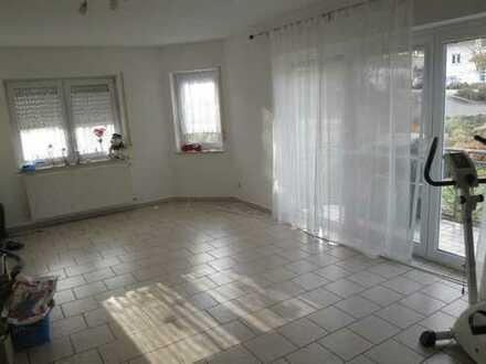 3-Zimmer-Hochparterre-Wohnung mit Balkon in Wörrstadt OT Rommersheim