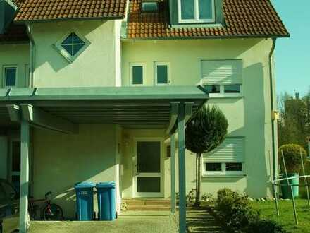 Gepflegte Wohnung mit vier Zimmern Terasse u. Balkon in Pfullendorf