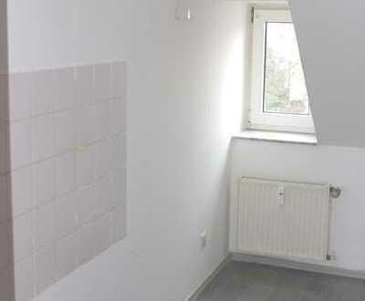 1 gemütliche Zimmer DG Wohnung mit Fahrstuhl
