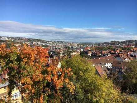 Wunderschöne 3-Zimmer-Dachgeschosswohnung im Lehenviertel mit Blick über Stuttgart