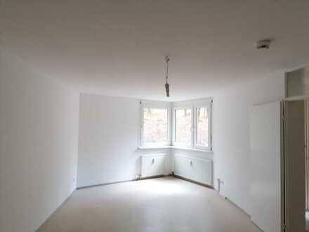 Nur mit Wohnberechtigungsschein ! Gemütliche 2,5 ZKB Wohnung mit Balkon !