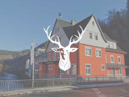 Renditestarkes Mehrfamilienhaus mit Gewerbe in Top Lage in Zell i.W. zu verkaufen