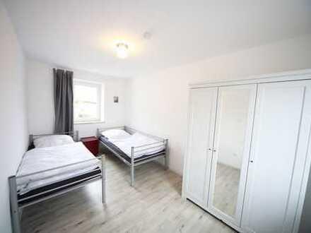 Modernes saniertes Wohnheim mit mehreren möblierten Zimmern bis zu 20 Personen