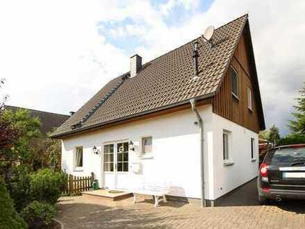 Ideales Familiendomizil! Neuwertiges EFH mit Terrasse und moderner EBK in Wistedt