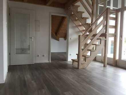 ****Komplett neu renovierte Traumhafte DG-Wohnung mit Galerie, zentral in Gartenberg****