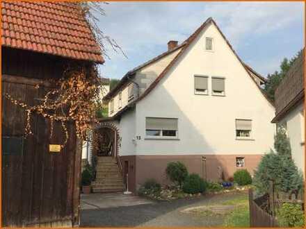 Gemütliches Wohnhaus mit Scheune und Nebengebäuden in Ortslage von Weichersbach