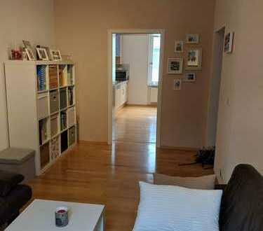 Attraktive Altbauwohnung mit Balkon und EBK im Martinsviertel - ideal für Paare