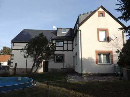 2-Familienwohnhaus mit großem und Grundstück