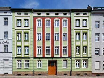 3 Zimmer mit Balkon in ruhiger Nebenstraße nahe Bahnhof