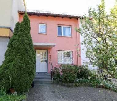 Gepflegtes Reihenhaus mit vier Zimmern in Kalbach, Frankfurt am Main - Kalbach