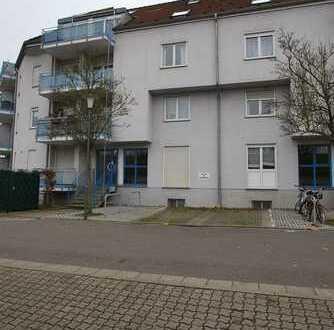 1 Zimmer mit Küche, Balkon und Tiefgaragenstellplatz in Landau