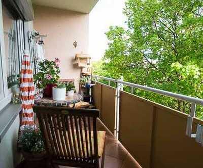 Helle, modernisierte 3-Zimmer-Wohnung mit Loggia und EBK in Untermenzing, München