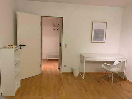 Stilvolle, gepflegte 2,5-Zimmer-Wohnung mit EBK in Karlsruhe