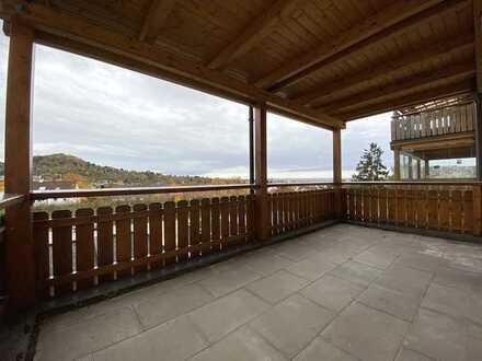 Super Ausblick, top renovierte 3,5-Zimmer-Wohnung mit großem Balkon in Pfullingen