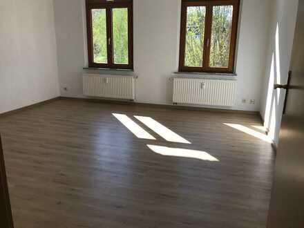"""Werdau-Zentrum, tolle 1-Zi.-Whg. sehr gepflegtes Haus in einer """"ruhigen Ecke"""""""