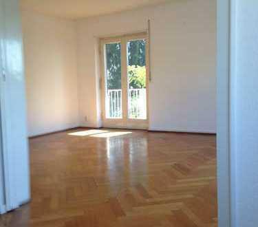 Sehr schöne 4,5-Zimmer-Wohnung mit Balkon und Einbauküche in Heidelberg-Neuenheim
