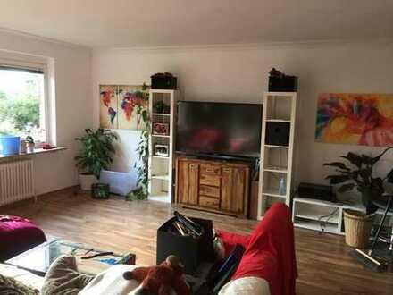 Geräumige 2-Zi.-Wohnung mit EBK und Balkon in Fuhlsbüttel
