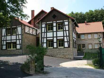 Ein Wohntraum im Grünen! Exklusive 4 ZKB-Wohnung mit Terrasse in Bielefeld-Sieker Schweiz!