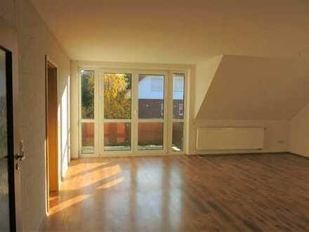 Ansprechende 6-Zimmer-Wohnung mit Balkon und Einbauküche in Büren