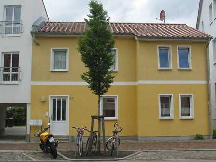 Mehrfamilienhaus mit Wohnanbau in zentraler Lage in Greifswald