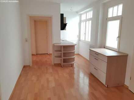 Küchenzeile schon vorhanden in kompl. renovierte 2 ZKB mit Wohnflur