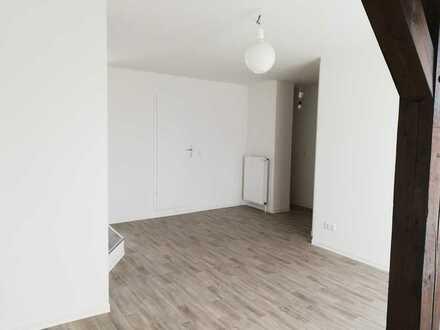 Erstbezug nach Sanierung: freundliche 1-Zimmer-DG-Wohnung mit EBK in Luckenwalde