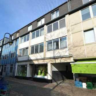 TOP 3 Zimmer-Wohnung mit Balkon und Küche im 2. OG in Meerbusch-Lank, Fußgängerzone!