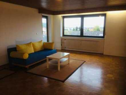 Attraktive 4-Zimmer-Wohnung mit Balkon und EBK in Pressath