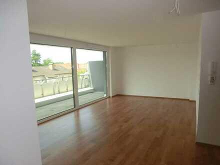 Nur wenn Sie etwas Besonderes suchen - Neuwertige 2-Zi.-Penthouse-Wohnung / Balkon + EBK in Wangen