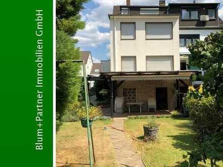 Großzügige Doppelhaushälfte nebst Grundstücken mit Ausbaureserve in Köln-Höhenhaus
