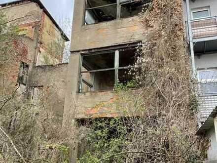 Ruine ohne Denkmalschutz bietet 700 Quadratmeter Bauland in Görlitz