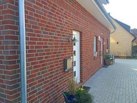 Exklusive und neuwertige Oberwohnung in zentraler Siedlungslage von Wardenburg