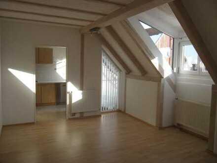 Modernisierte 3-Zimmer-DG-Wohnung mit Balkon und EBK in Leutkirch im Allgäu