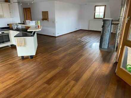 Vollständig renovierte 6-Zimmer-DG-Wohnung mit Balkon und Einbauküche in Albbruck