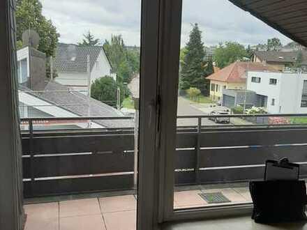 Schöne Dachgeschosswohnung im Südwesten Pforzheims!