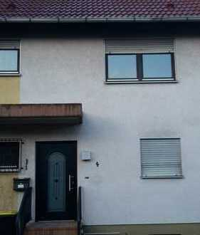 Schönes Reihenmittelhaus mit 6 Zimmern, Garage und Garten in Frankenthal (Pfalz) ab 310.000,00 EUR
