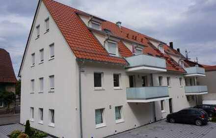 Neuwertige 4-Zimmer-Dachgeschosswohnung mit Balkon und EBK in Enzkreis