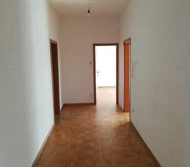 **Großzügige 4,5-Zimmer-Whg. in Albstadt-Ebingen zu vermieten**