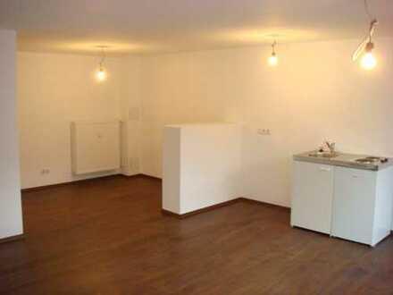 Schöne, große 1-Zimmer-Wohnung für Singles