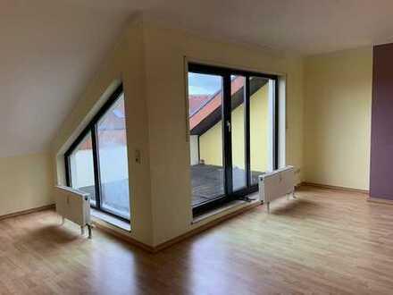 ***ATTRAKTIV!*** 3 ZKB Dachgeschoss mit Terrasse in bester Lage von Hockenheim!