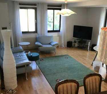*Vermietung für 1 Jahr* Schöne 2 Zimmer Wohnung mit Balkon