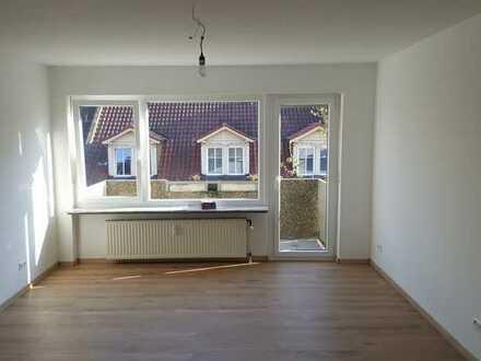 Sehr helle, großzügige 3-Zimmer-Wohnung mit Balkon, Zweitbezug nach Generalsanierung