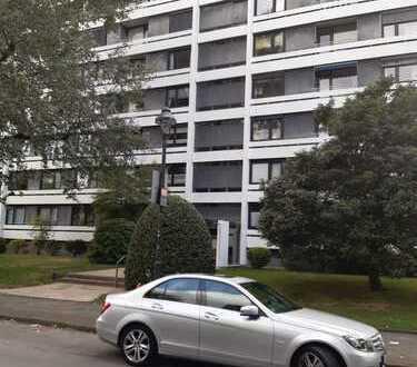 Gut geschnittene 3 1/2 Zimmer-Wohnung in guter Wohnlage von Düsseldorf-Mörsenbroich