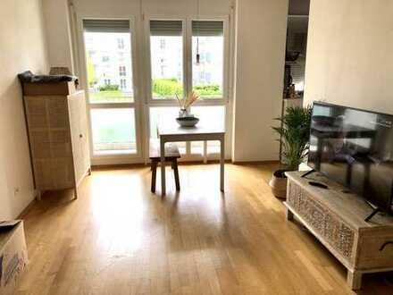 Neuwertige 2 Zimmer Wohnung mit Balkon in München Johanneskirchen (Bogenhausen)
