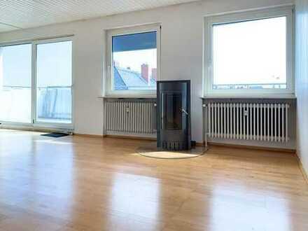 Lichtdurchflutete 2-3 Zimmer-Penthousewohnung mit großer Dachterrasse in Frankfurt-Höchst!