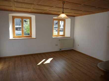 Einziehen- Wohlfühlen! Wohnen auf 2 Ebenen in einer Top Renovierten Bauernhauswohnung