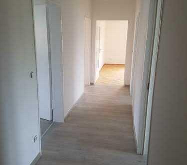 Vollständig renovierte 3-Raum-Wohnung mit Balkon in Zirndorf