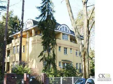 150 m², 3-Zimmer-Dachgeschoss-Maisonette mit großer Terrasse und Kamin in guter Lage in Frohnau