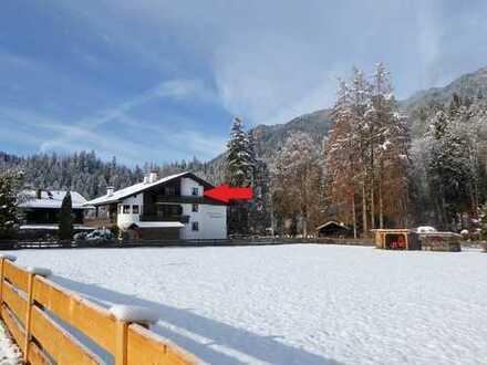 Großzügige Dachgeschoss-Wohnung mit Bergblick in Grainau